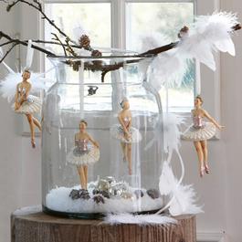 Lot de 4 figurines Tadley